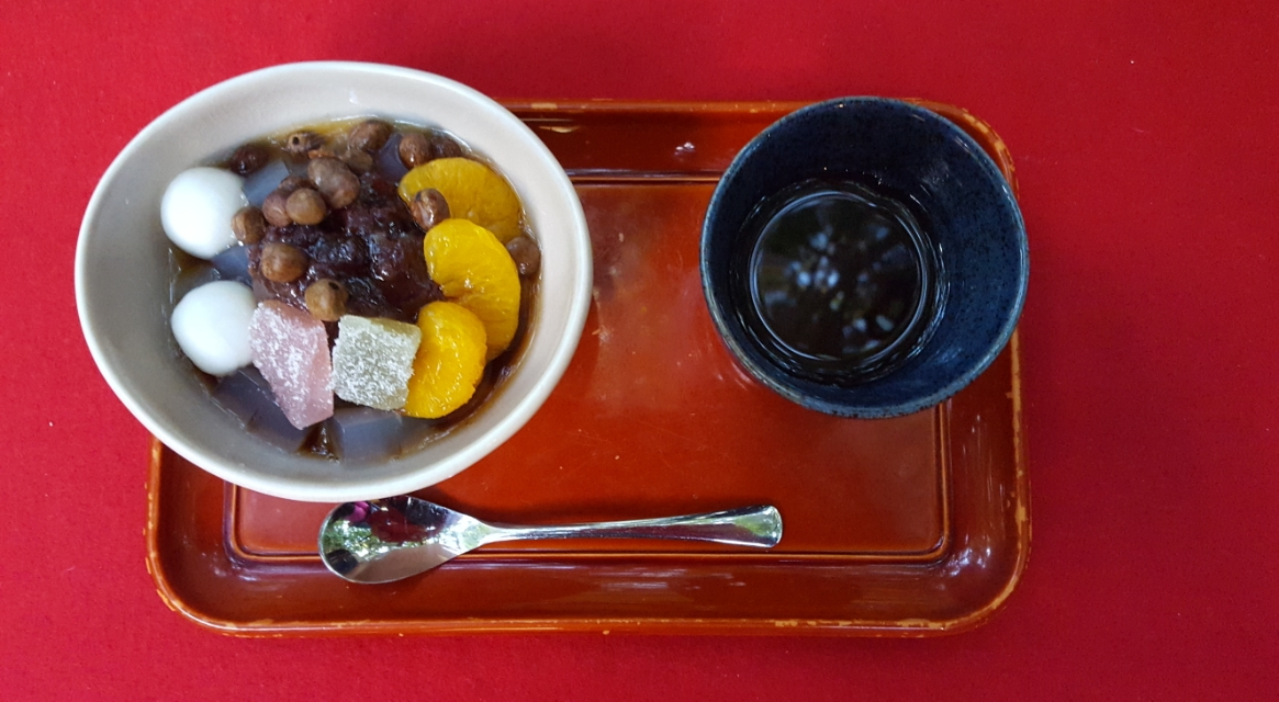 「抹茶」が美味しかったので、「あんみつ」も頂きました!こちらも500円也!これもこれまた、黒蜜が良い味で非常に美味しかったです!両方頼んでも千円とリーズナブルなのもいいです!