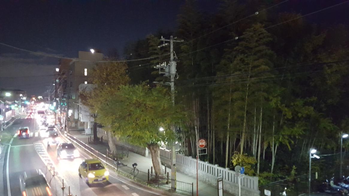 この場所は、本八幡駅から徒歩5分程度の距離にあり、千葉街道と言われる交通量の多い国道14号線沿いにあります。 車で訪れた私は、近くにあるコインパーキングに駐車し見学をする事にしました。