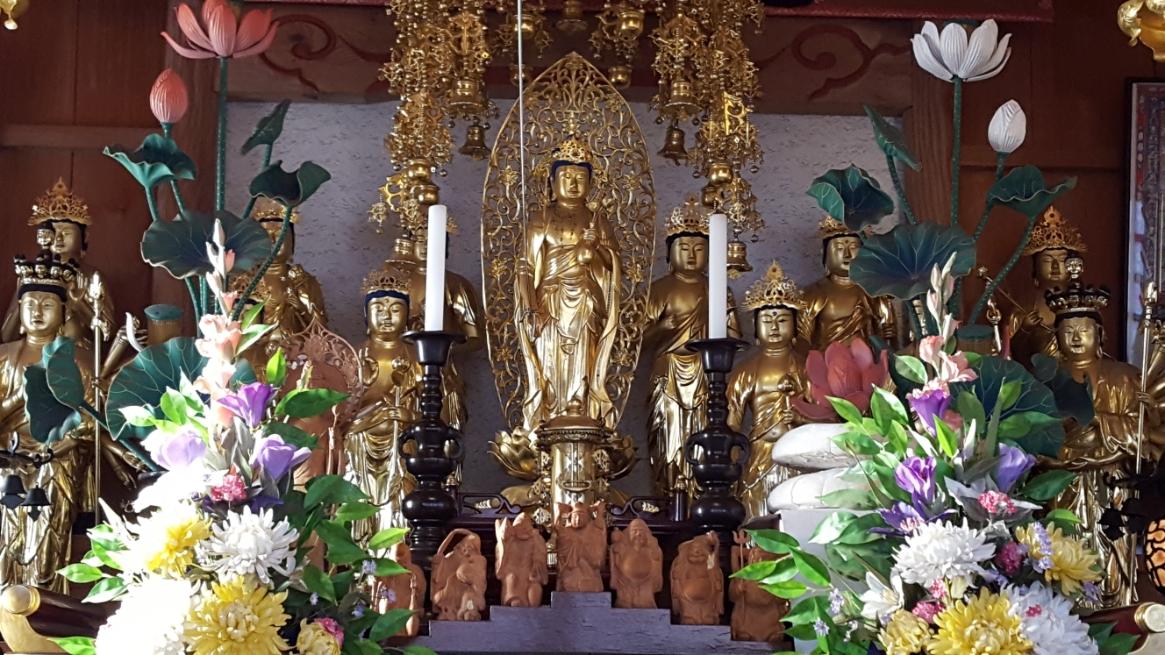 御堂の年季とは打って変わって、「子育水子観世音菩薩」は非常に美しかったです。