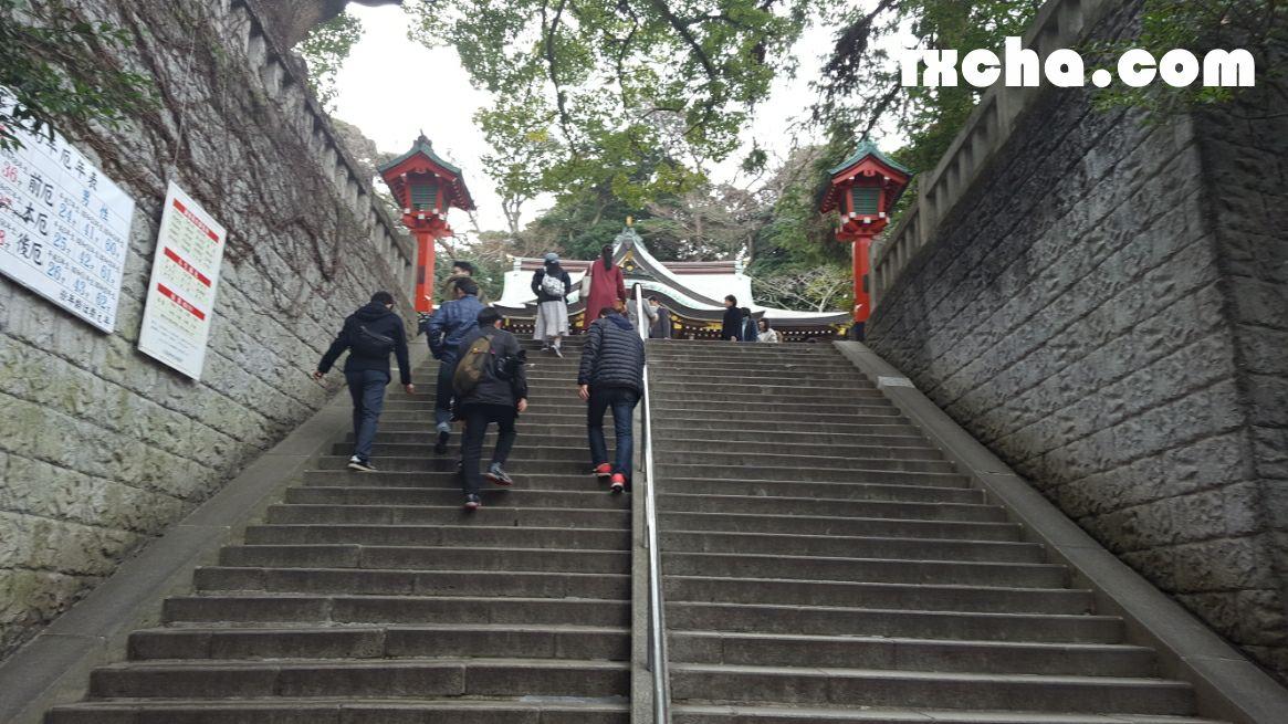 辺津宮への石段