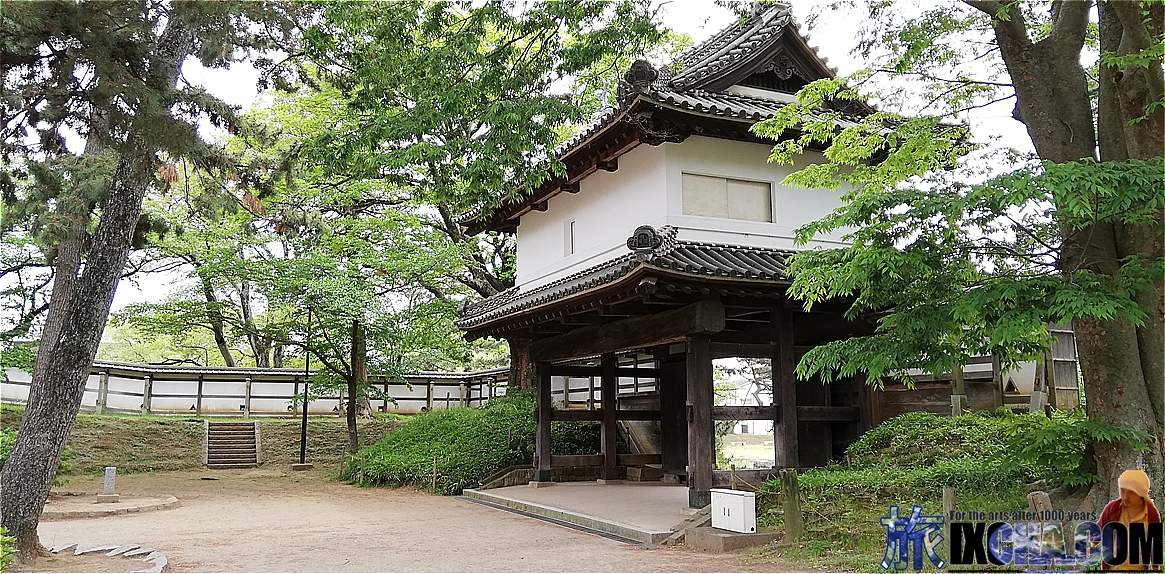櫓門(太鼓橋)